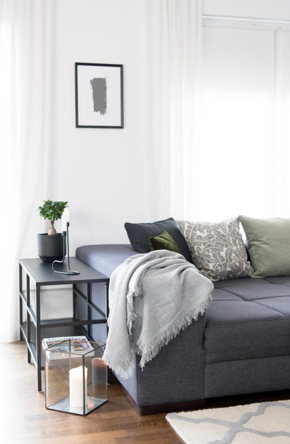 Wohnzimmer Sofa anthrazit Kissen
