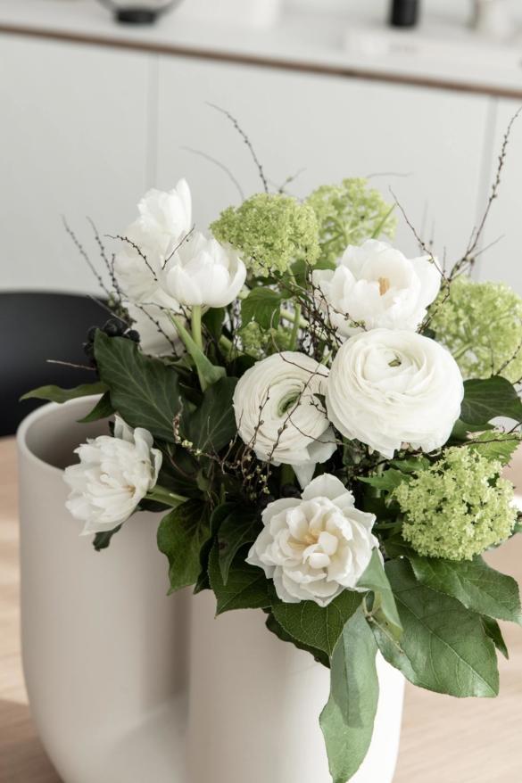 Blumenstrauß weiße Ranunkeln